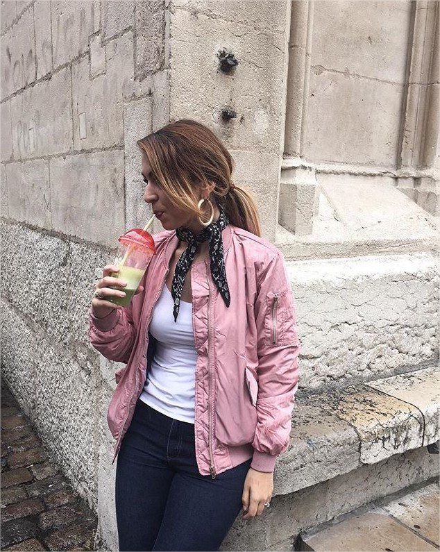 aurelie-bouti-on-instagram-green-smoothie-x-pink-bomber-mozilla-firefox